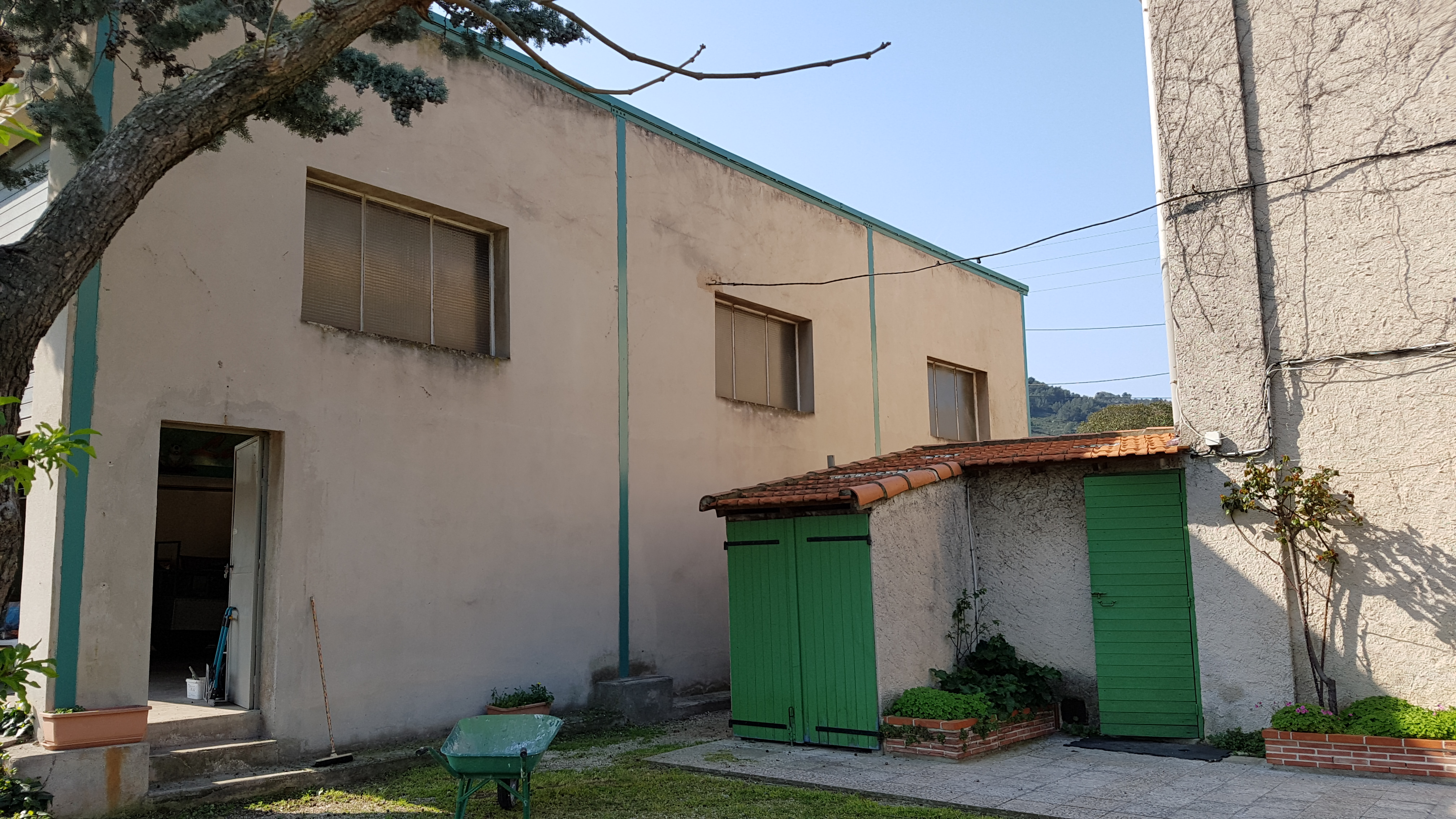 Annonce immobili re immeuble et entrep t 13011 agence for Agence immobiliere 13011